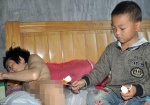 7-year-old-boy-cares-for-paralyzed-father-7